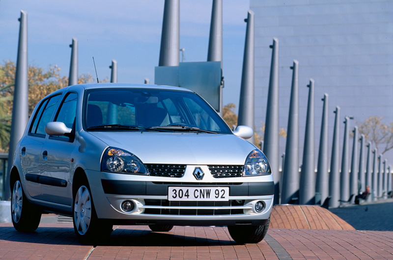 Renault Clio II restyling (2001)