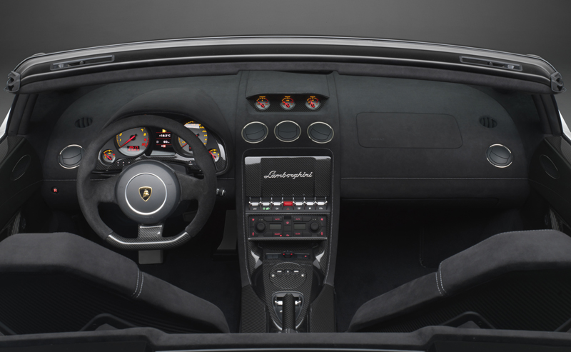 Lamborghini Gallardo LP 570-4 Spyder Performante - Gli interni