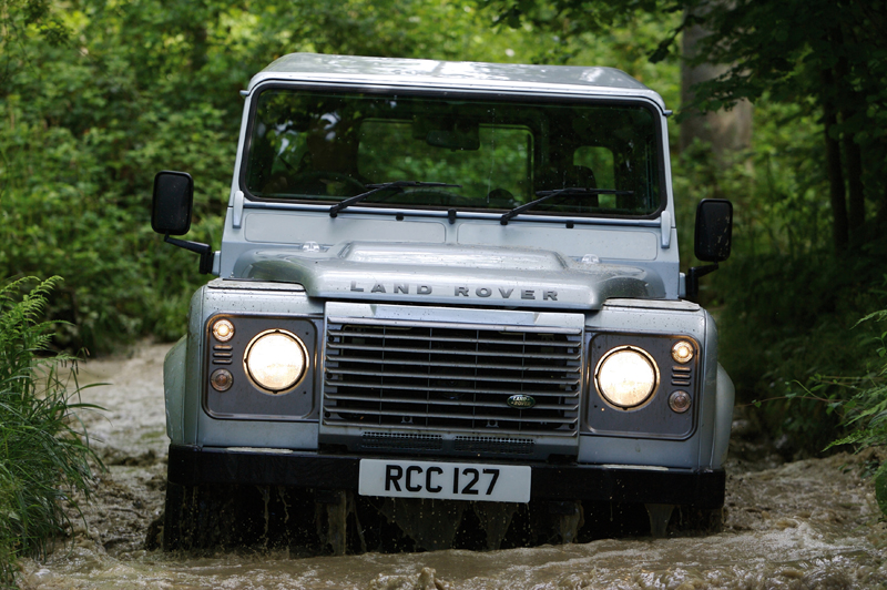 Land Rover Defender - Il frontale