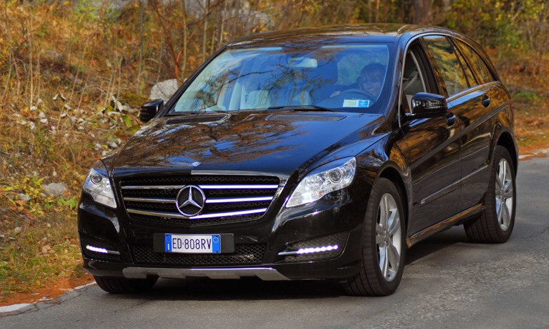 La Mercedes R 350 CDI Sport costa 68.101 euro, optional esclusi