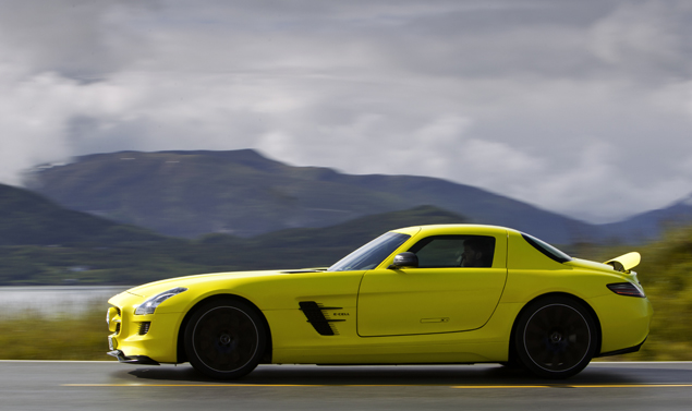 Mercedes-sls-amg-Laterale