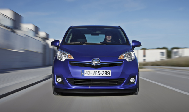 Toyota Verso-S frontale