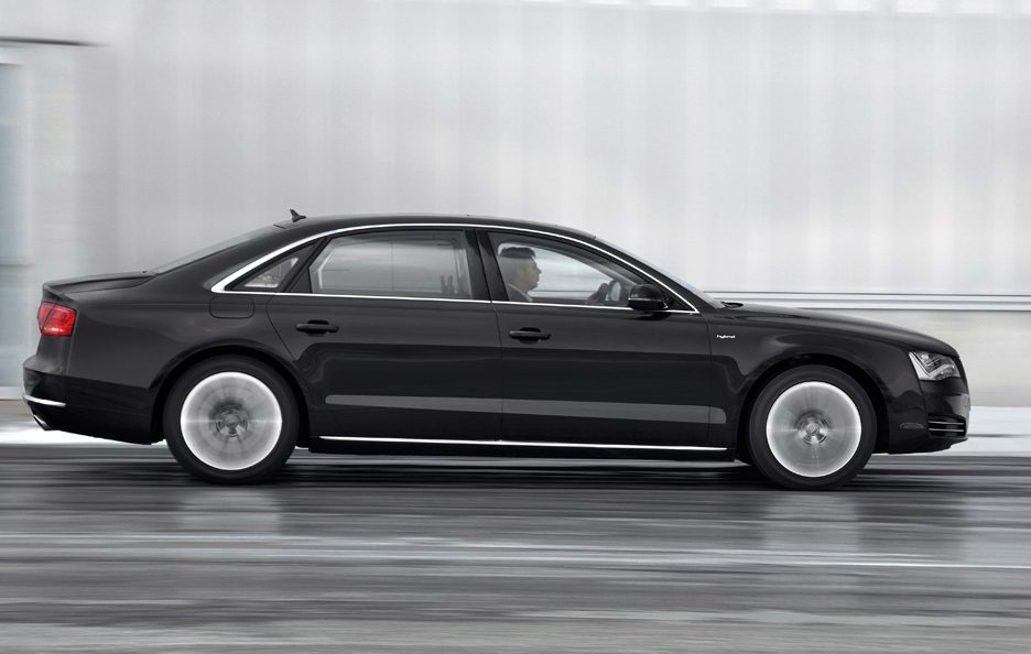 Audi A8 Hybrid - Laterale in motion