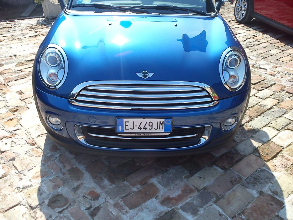 Mini Coupé - Frontale in blu