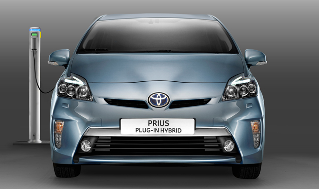 Toyota Prius plug in - Il frontale
