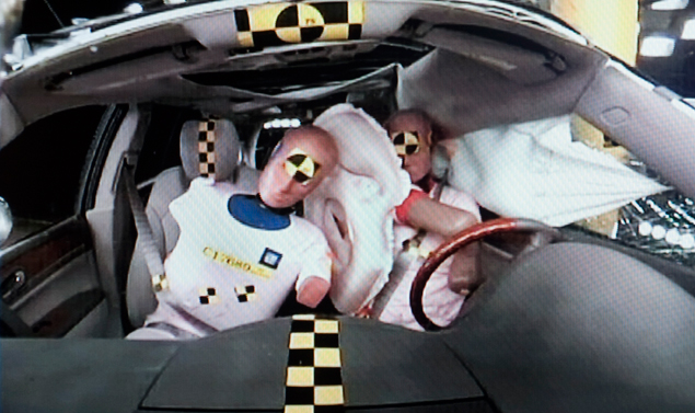 Crash test - Airbag centrale