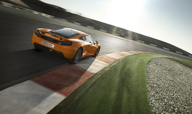 McLaren MP4-12C - In curva