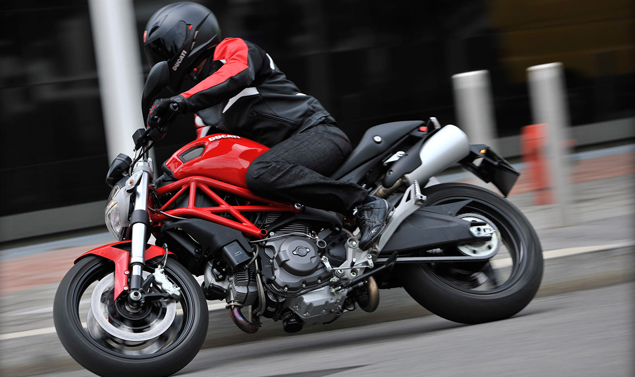 Ducati Monster 795 - In piega