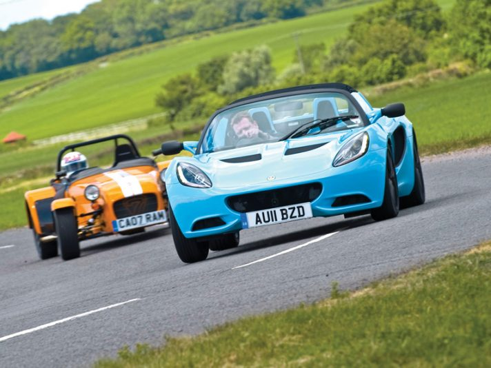Lotus Elise vs Caterham 7 Supersport