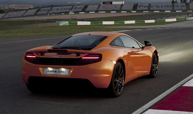 McLaren MP4-12C - Il retrotreno