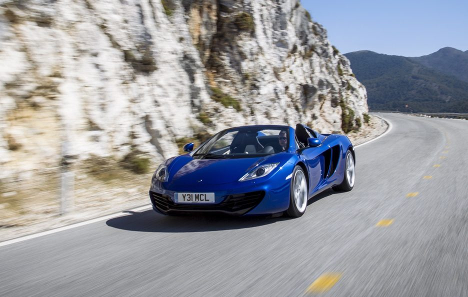 McLaren MP4-12C Spider - Blu - Frontale in motion