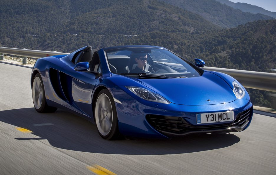 McLaren MP4-12C Spider - Blu - Profilo frontale in motion