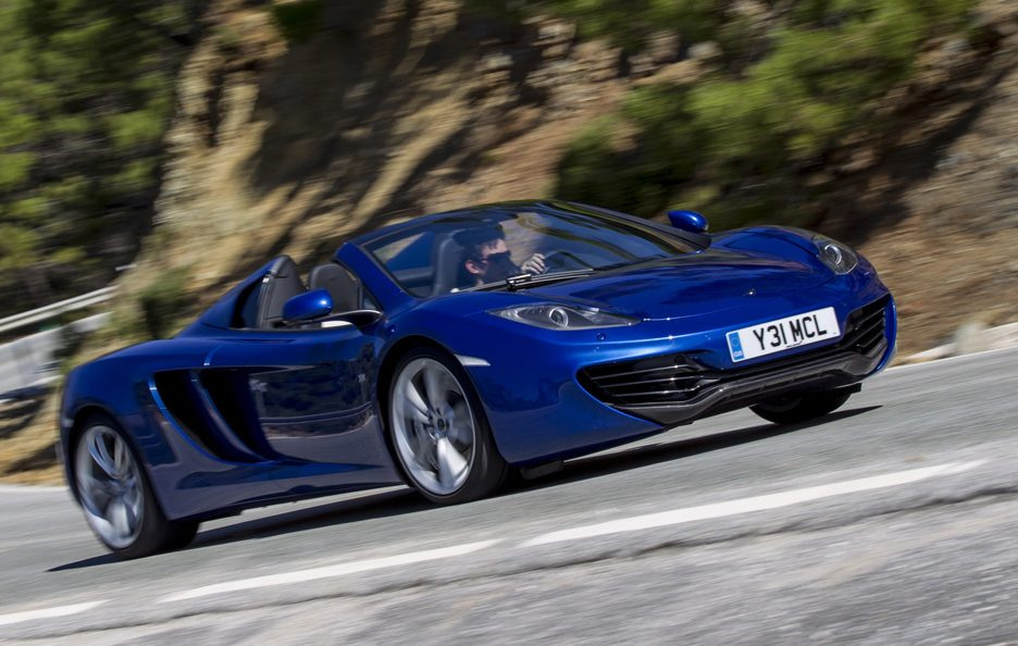 McLaren MP4-12C Spider - Blu - Profilo in motion