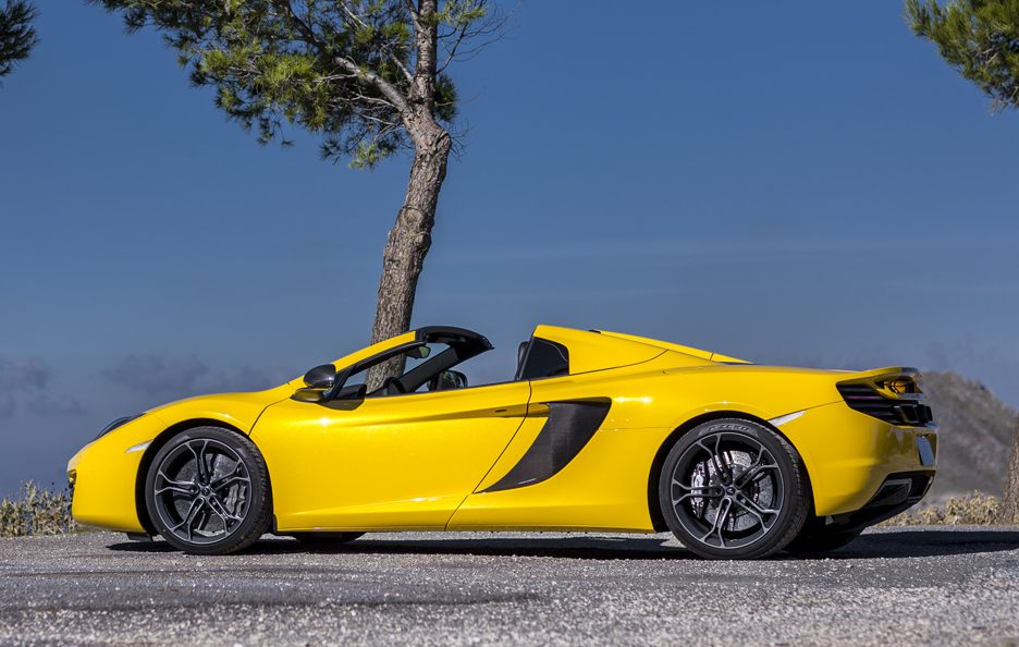 McLaren MP4-12C Spider - Gialla - Laterale