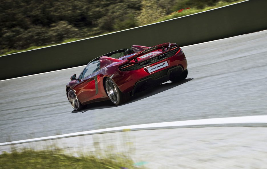McLaren MP4-12C Spider - Posteriore in motion