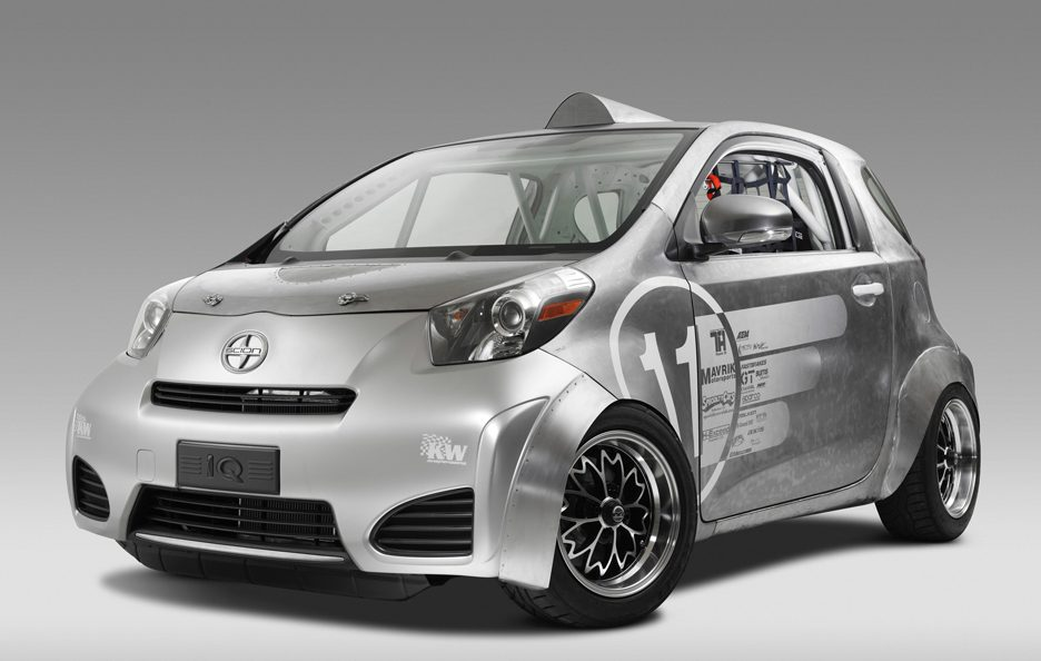 Scion iQ-MR