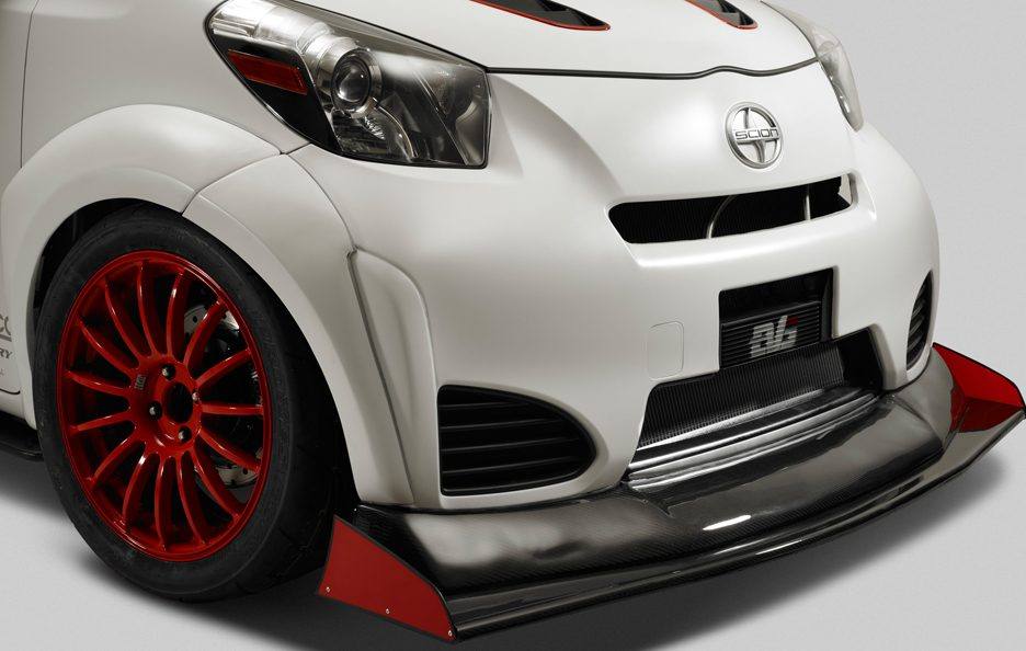 Scion iQ-RS - Ala anteriore
