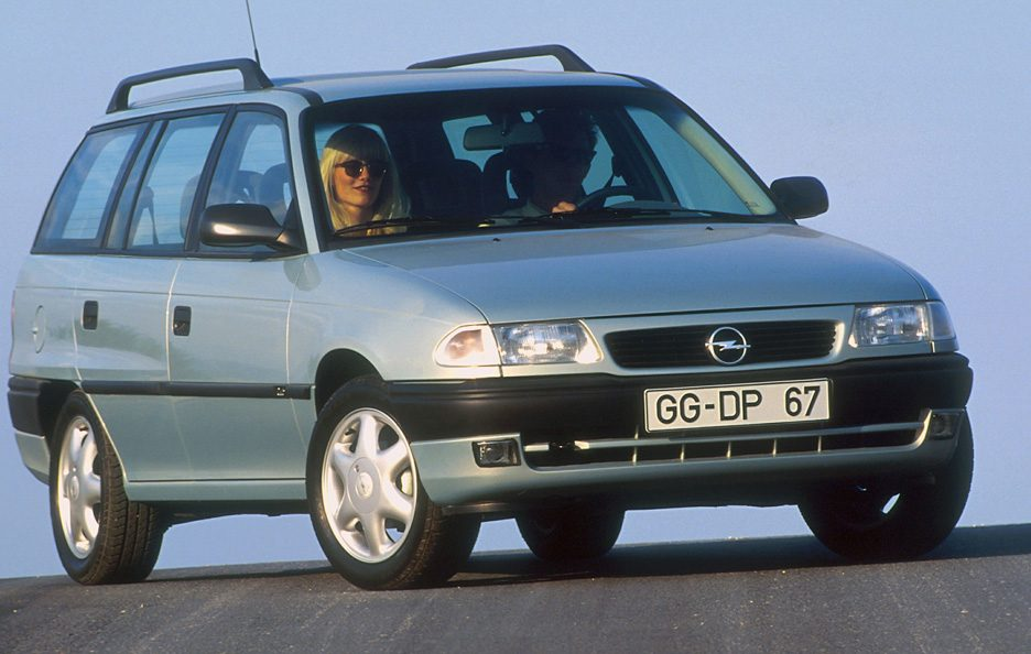 25 - Opel Astra F SW restyling