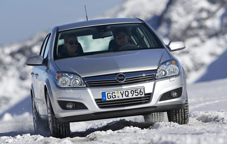 37 - Opel Astra H frontale