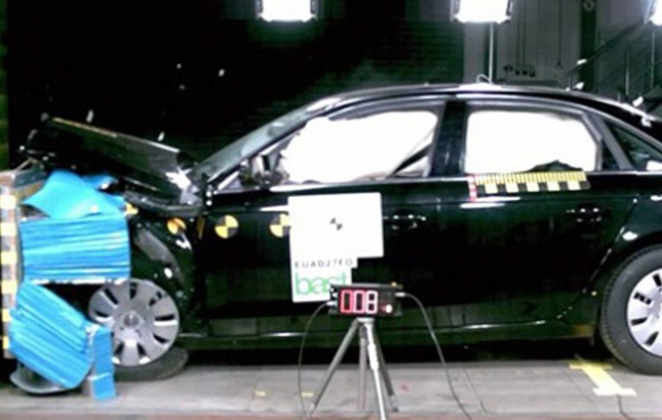 42 - Audi A4 B8 crash test