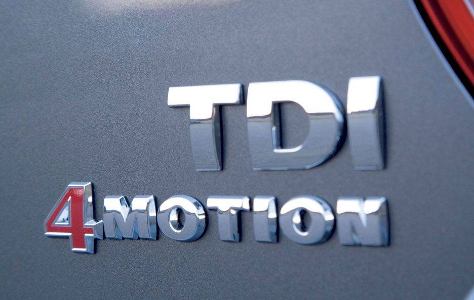48 - Volkswagen Golf V logo TDI 4Motion