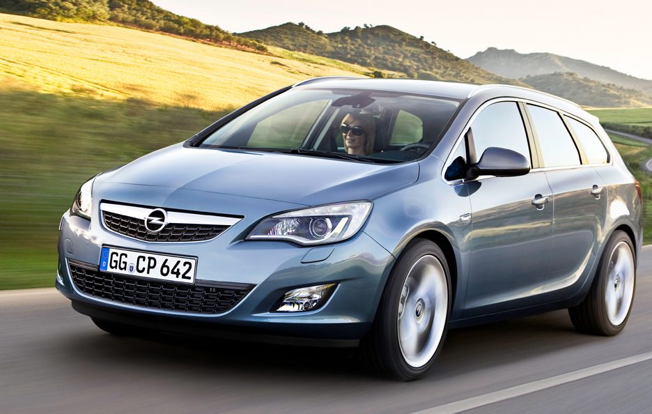 54 - Opel Astra Sports Tourer