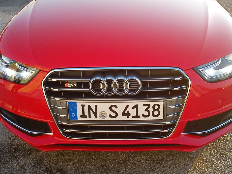 Audi A4 Restyling - Audi S4 - Il frontale