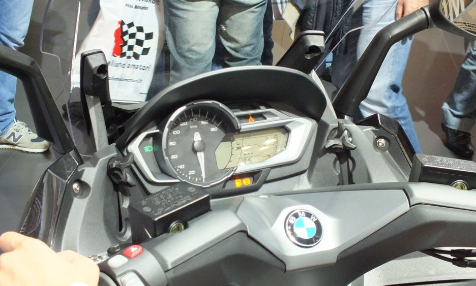 EICMA 2011 - BMW C600 Sport cruscotto