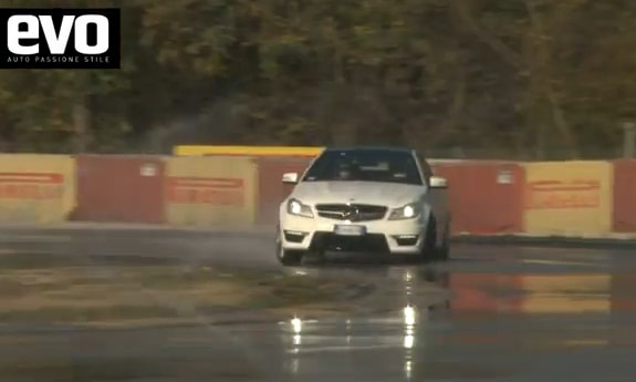 EVO Day: Mercedes C63 AMG vs. Cayman R, la sfida