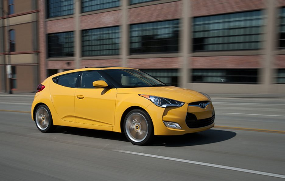 Hyundai Veloster - Profio frontale in motion