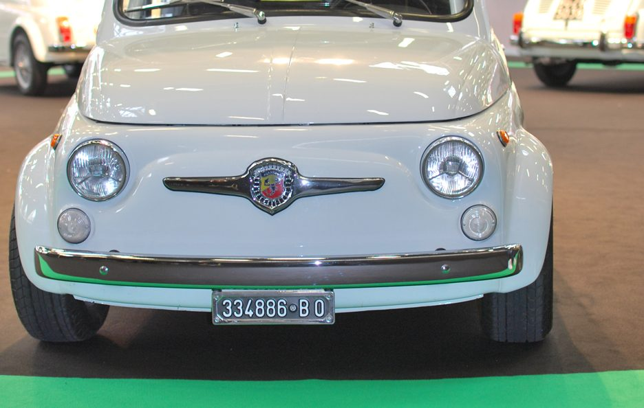 13 - Motor Show 2011 - Abarth 695 SS frontale