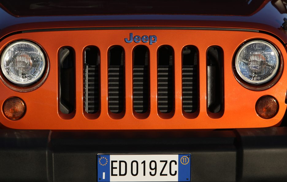 14 - Jeep Wrangler JK Unlimited restyling frontale