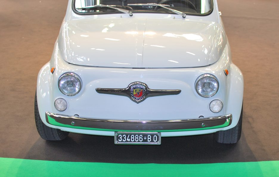 14 - Motor Show 2011 - Abarth 695 SS frontale 2