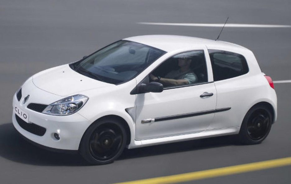 45 - Renault Clio III RS