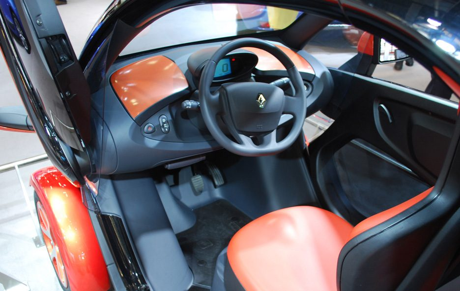 65 - Motor Show 2011 - Renault Twizy abitacolo