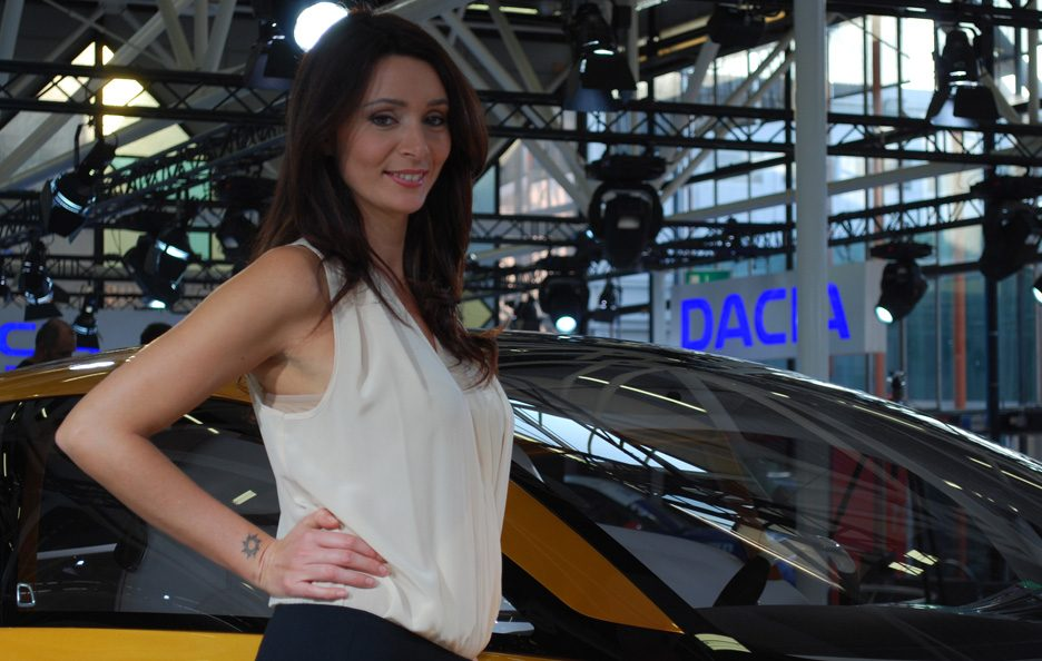 8 - Motor Show 2011 - Renault R-Space ragazze