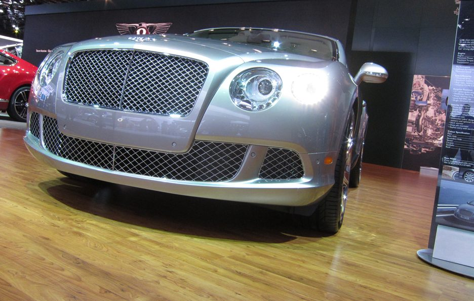 Bentley Continental GTC - Frontale basso