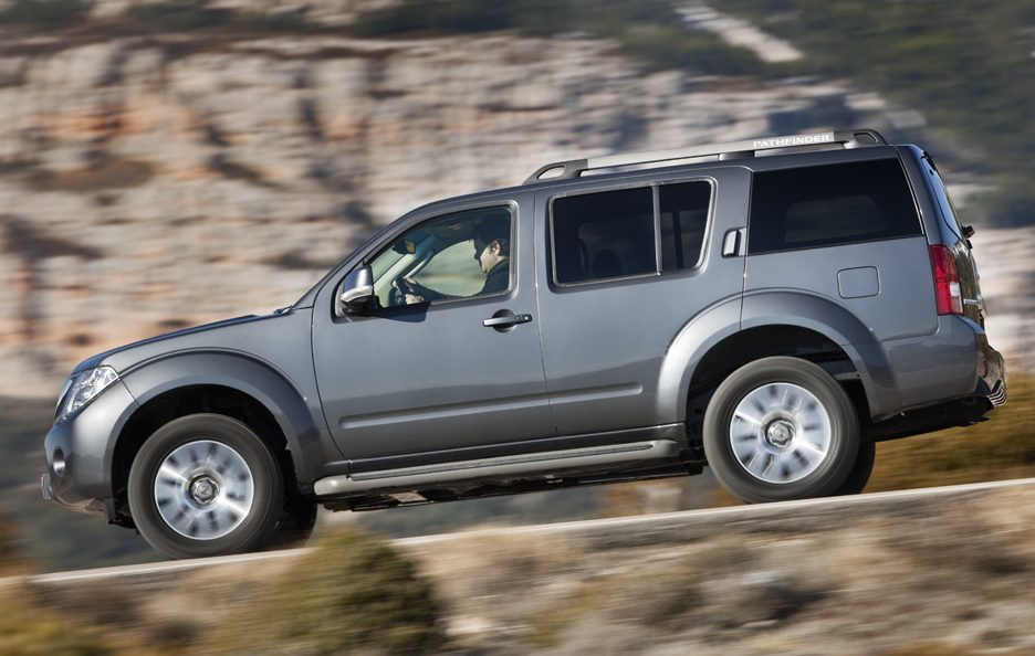 Nissan Pathfinder - Il laterale
