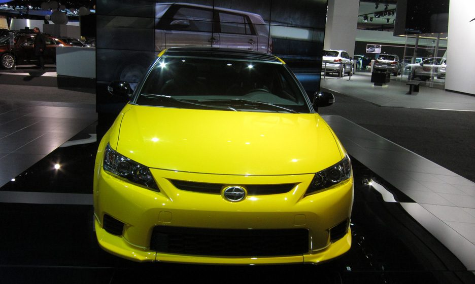 Scion tC - Frontale