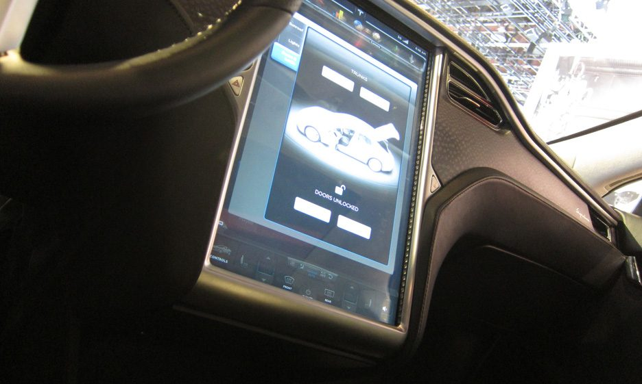 20 - Tesla Model S consolle centrale