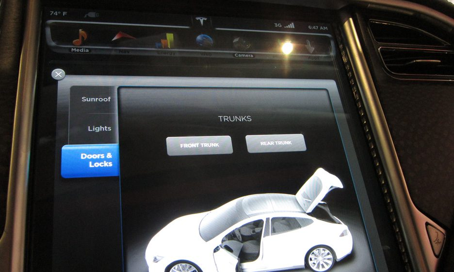 21 - Tesla Model S consolle centrale 2