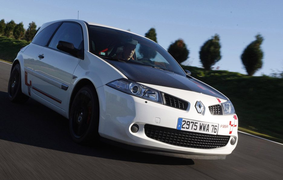 40 - Renault Mégane II restyling RS