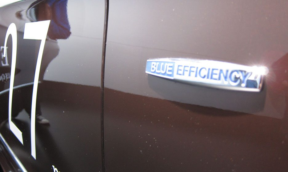 50 - Mercedes classe E Hybrid logo BlueEFFICIENCY
