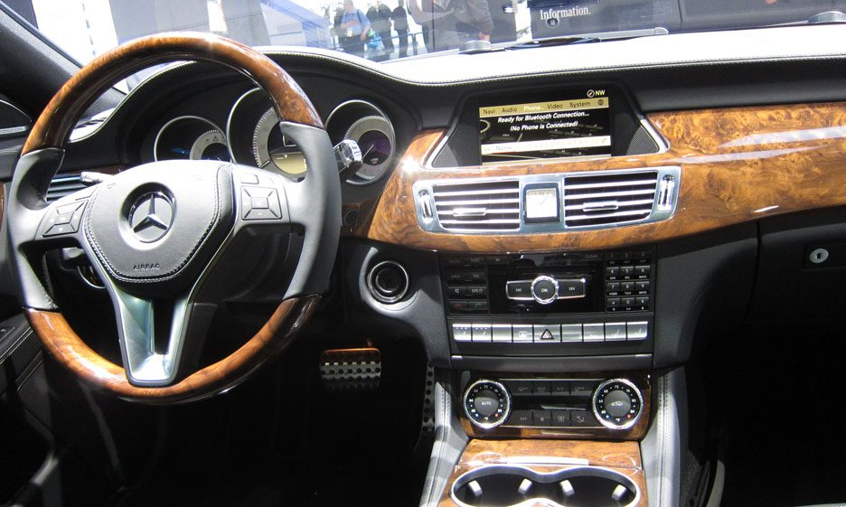 87 - Mercedes CLS interni