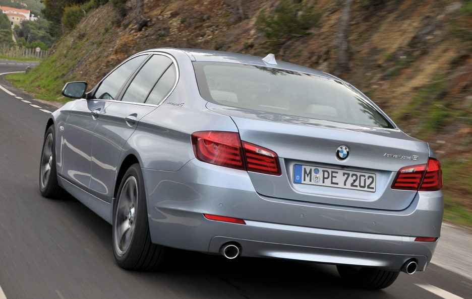 BMW ActiveHybrid 5 - Coda in motion