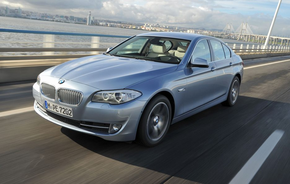 BMW ActiveHybrid 5 - In motion