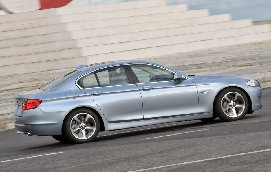 BMW ActiveHybrid 5 - Laterale in motion