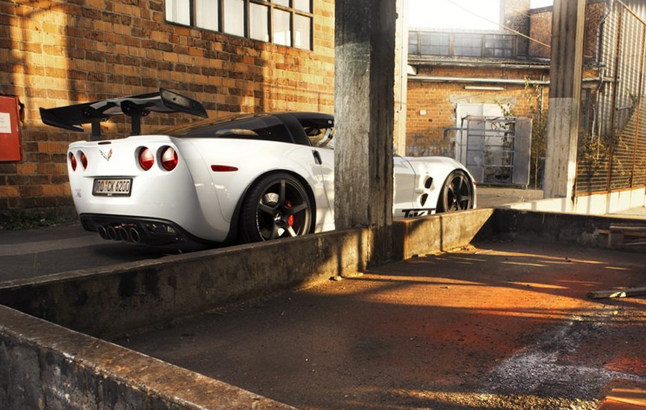 Chevrolet Corvette ZR1 by TIKT - Linea
