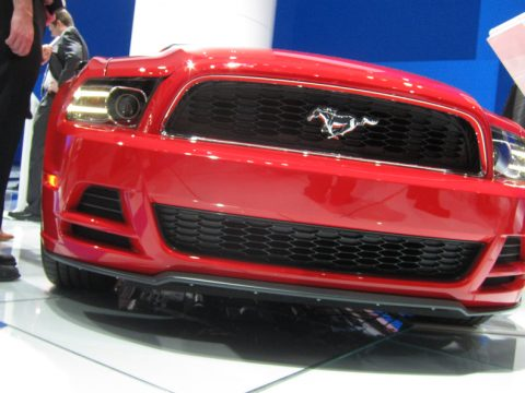 Ford Mustang - Anteriore basso