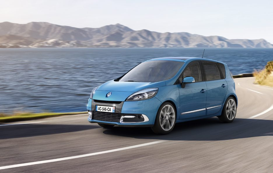 Renault  Scenic MY 2012 - In motion